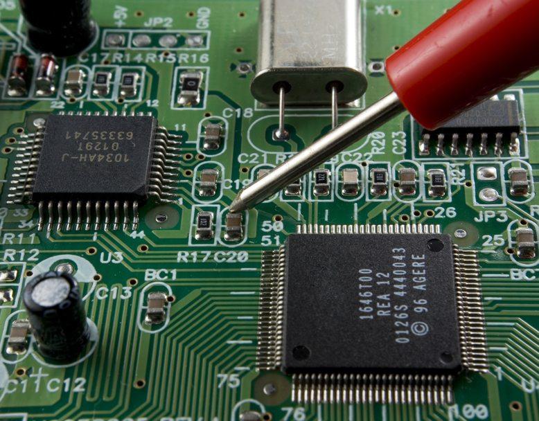 Repair / gorbelabda, Shutterstock