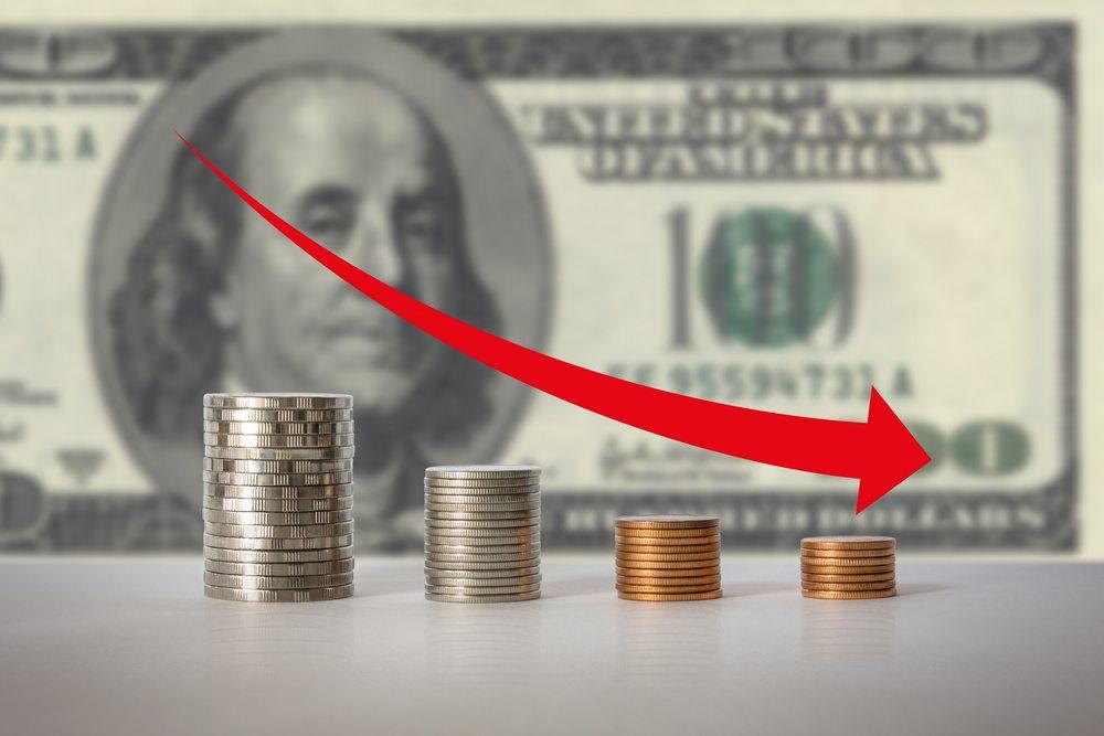 Earnings Down / Suwicha, Shutterstock