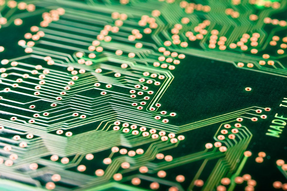 Circuit_Board / Dario_Lo_Presti, Shutterstock