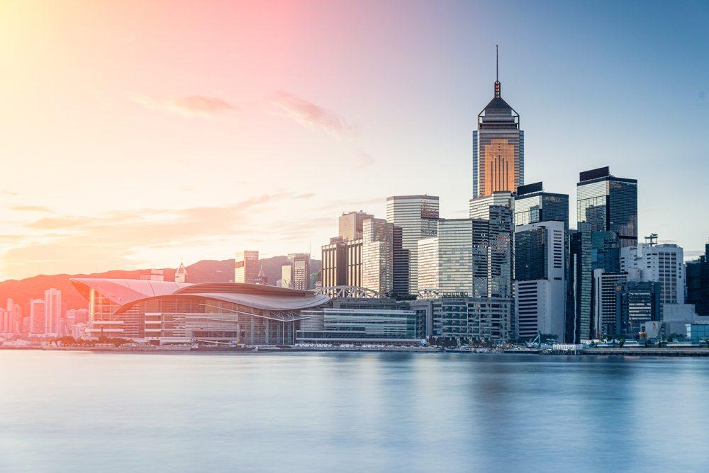 Hong Kong / weerasak_saeku, Shutterstock_308754041