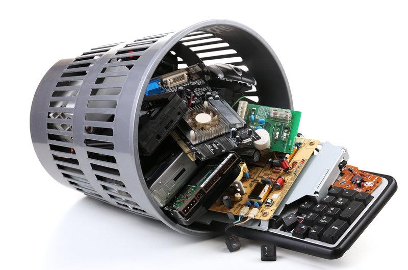 E-Waste / Africa_Studio, Shutterstock