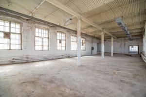 warehouse space_062117_nikitabuida_shutterstock_256020328