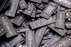 iPhone battery recycling
