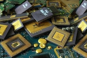 A pile of e-scrap containing gold.