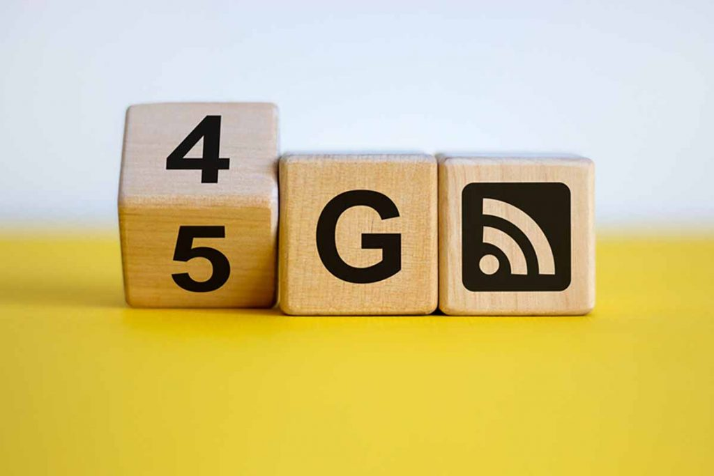 Wooden blocks showing a turn from 4 to 5 G.