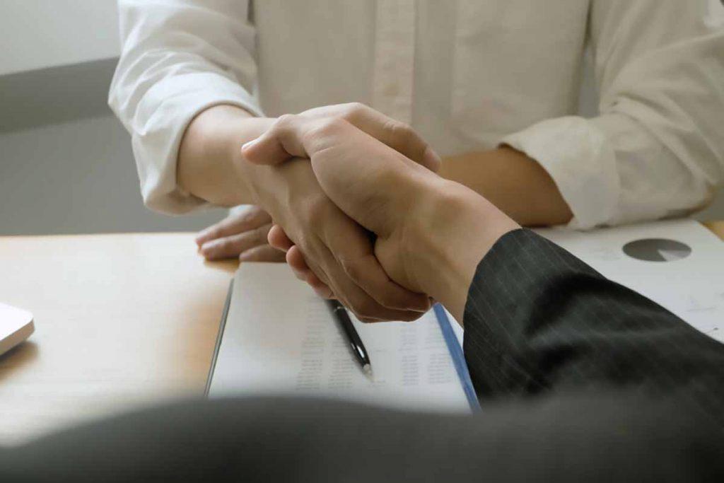 Business-handshake-Candyclub-Shutterstock