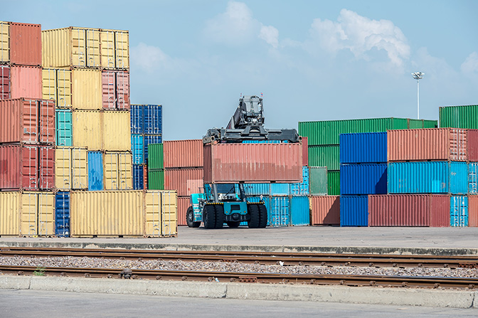 Exports / Chalalai_Atcha, Shutterstock