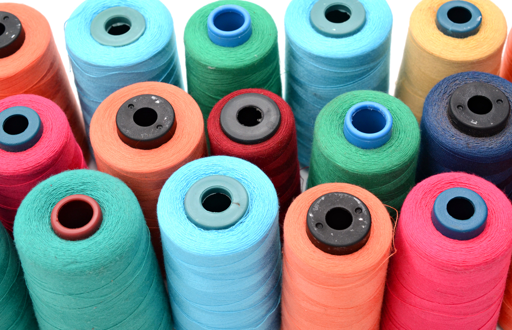 Polyester Thread / COLOA_Studio, Shutterstock