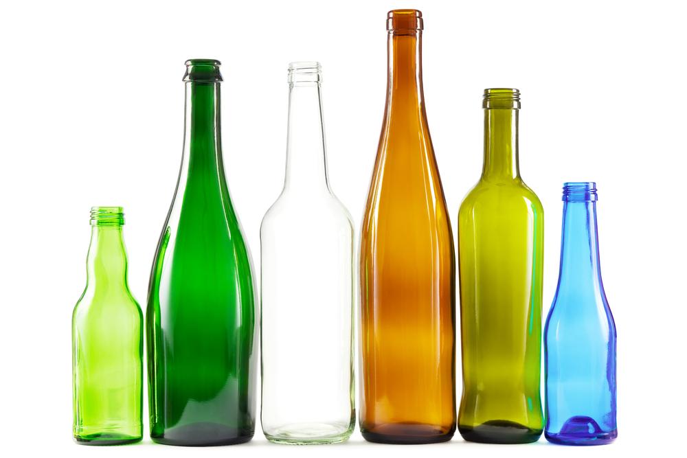 Glass / Inga_Nielsen, Shutterstock