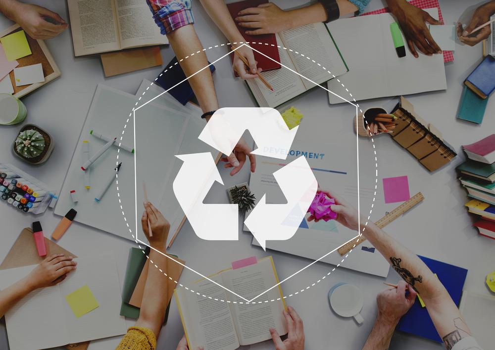 recycling study / Rawpixelcom, Shutterstock