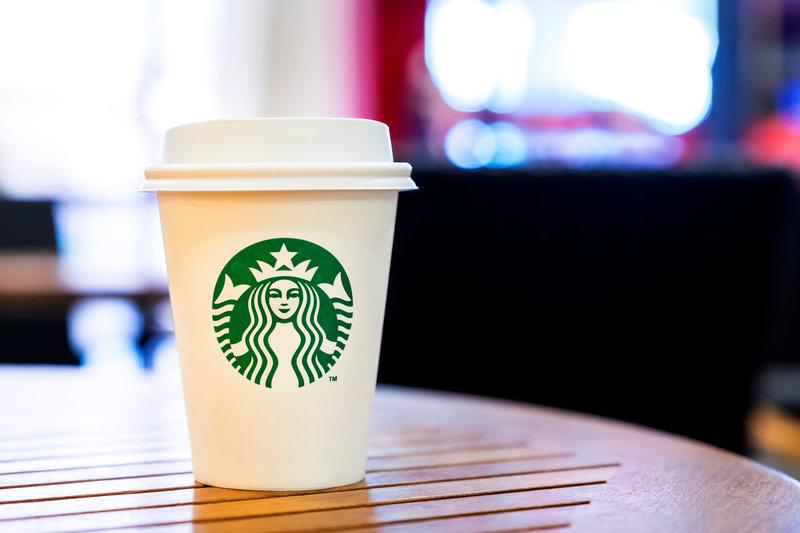 starbucks cup / weedezign, Shutterstock