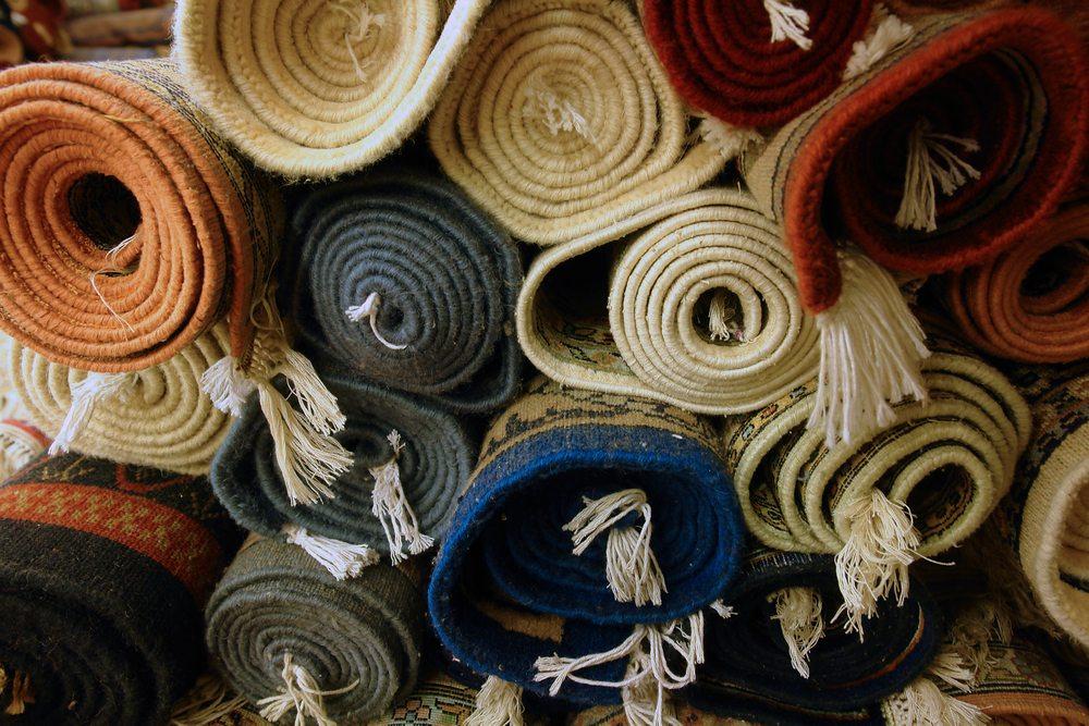 Carpet / Aztec Images, Shutterstock