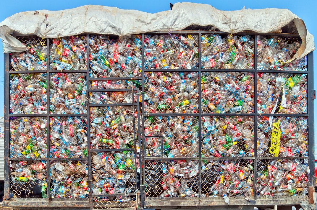 bottles truck / eddygaleotti, Shutterstock