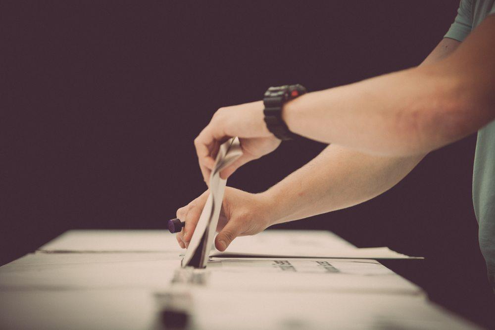 voting / Alexandru_Nika, Shutterstock_434944729