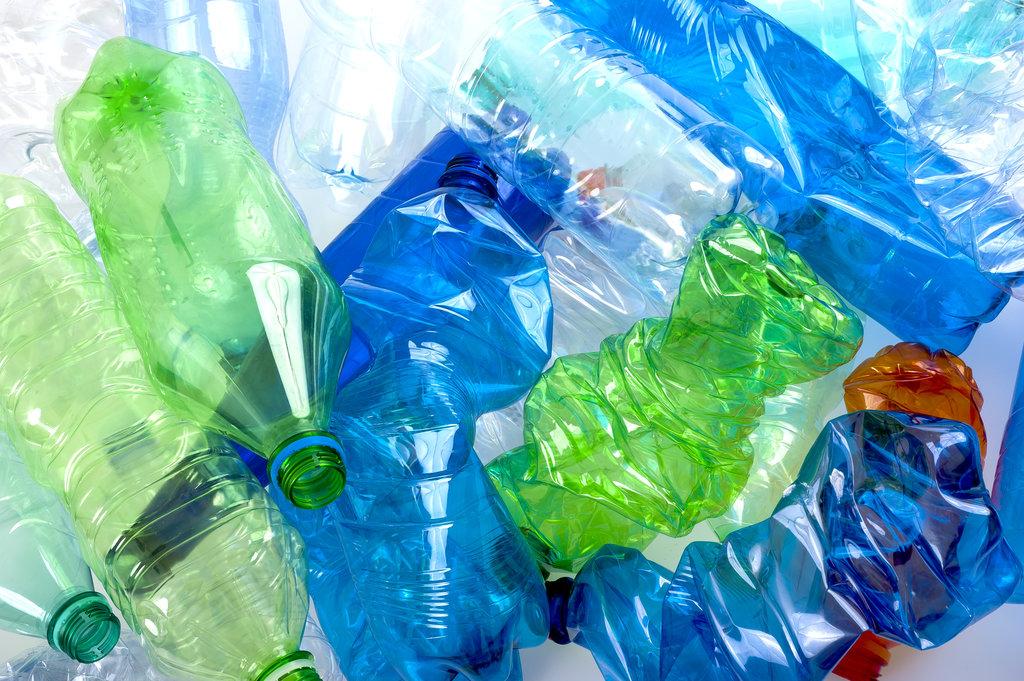 PET Bottles / ScisettiAlfio, Shutterstock
