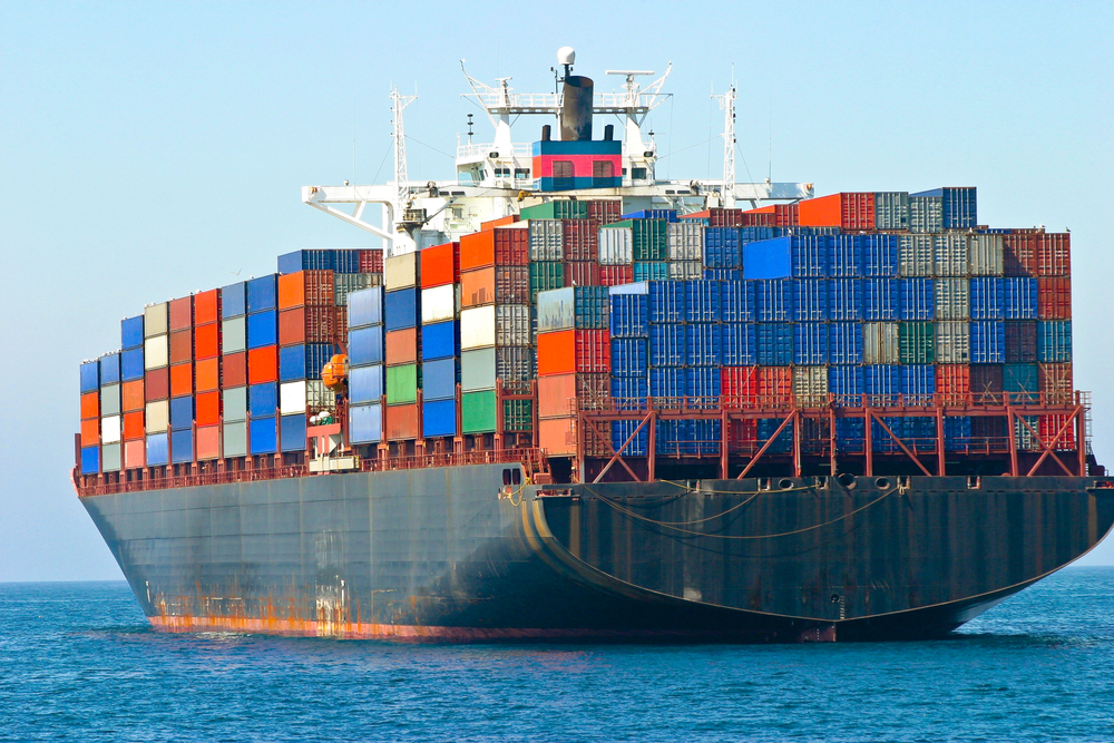 Shipping Exports / egd, Shutterstock