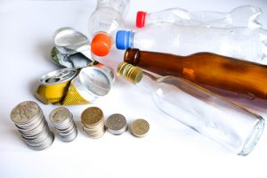 beverage containers recycling_050917_Vipada Kanajod_shutterstock_382753894