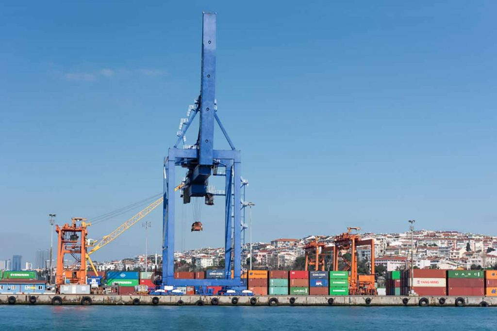 Istanbul-Turkey-port-gd_project-Shutterstock