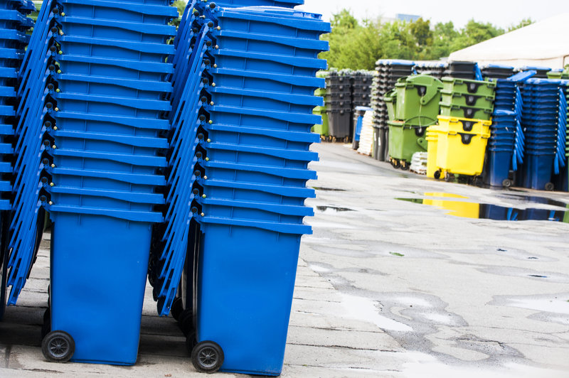 Carts Storage / Grzejnik_Shutterstock_071916