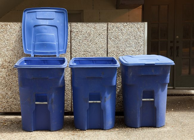 recycling and news story Recycling, trash drop-off hours cut while murfreesboro council seeks to bill for garbage murfreesboro's west main street convenience center days of operation will be reduced from six to three on tuesdays, wednesdays and fridays.