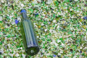 Glass bottle and cullet