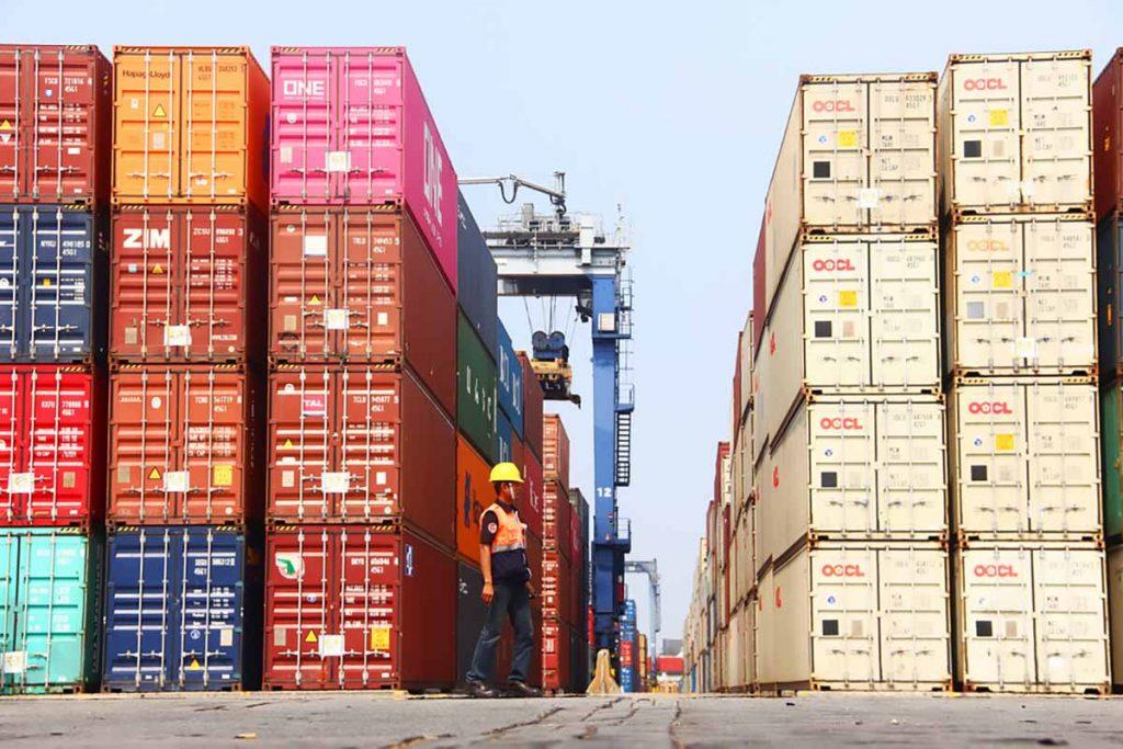 Indonesia-port-activity-Triawanda-Tirta-Aditya-Shutterstock